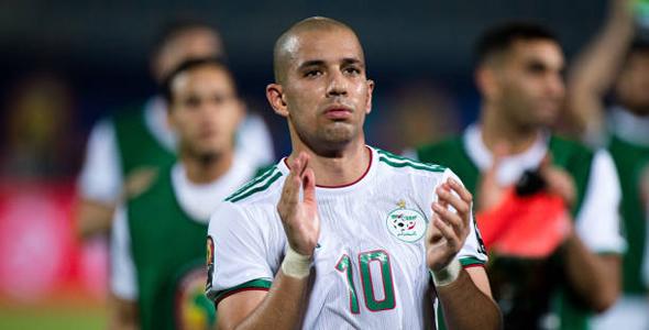 索菲亚内·费古利是阿爾及利亞的中場指揮官。